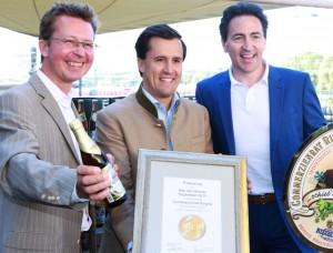 Verleihung Bier des Monats - Matthias Kliemt - Sebasitan Priller-Riegele  Frank Winkel 5-9-2013